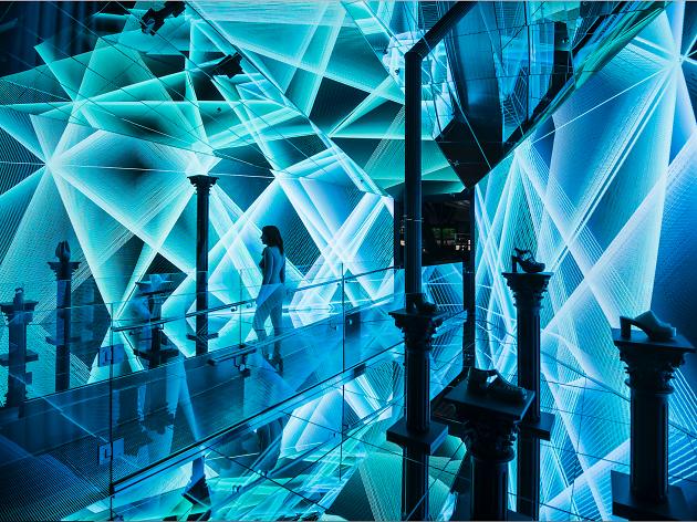 arte inmersivo en espacio comercial