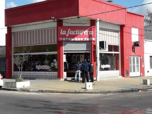 Rediseño de marca fachada La Facturera Rebranding